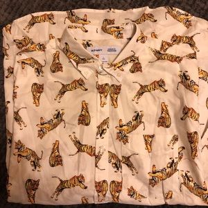 Old navy tiger button down